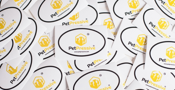 PetPressive Oval Car Sticker